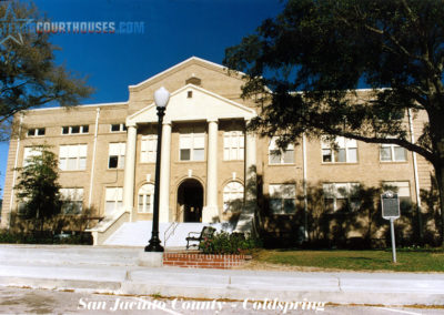 San Jacinto County Courthouse