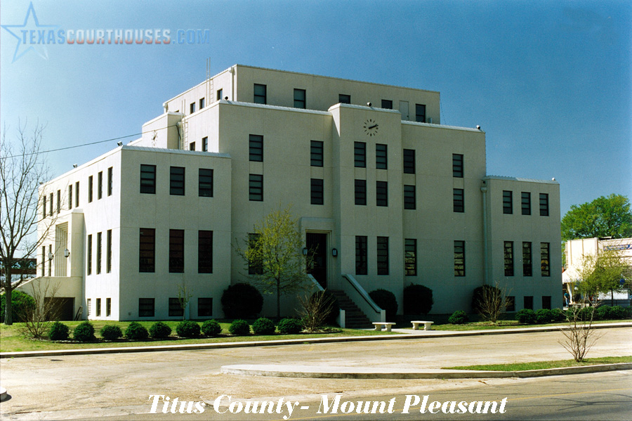 A Texas Courthouse